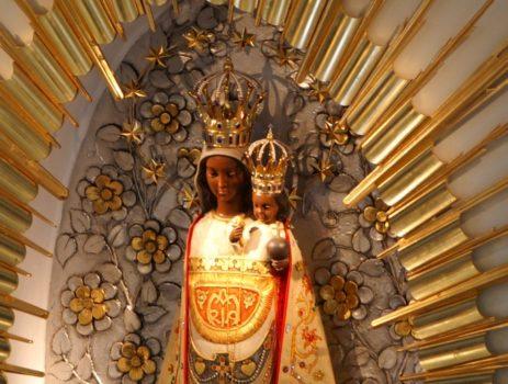 Figura Matki Bożej Loretańskiej